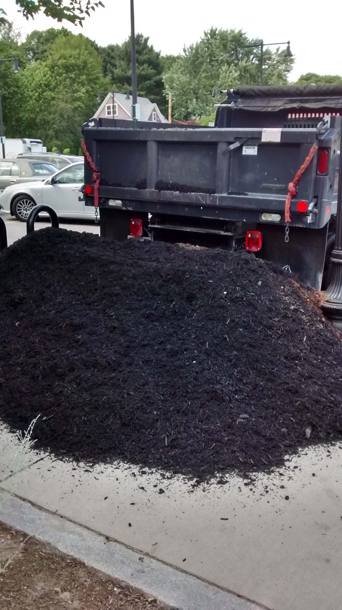 Taft Hill Terrace Mulch Delivery